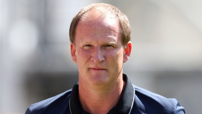 Who is Sunderland's new manager Simon Grayson?